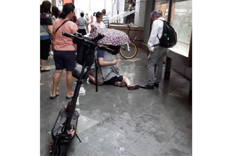 d4bcd934e3 34-year-old-man -arrested-for-riding-e-scooter-into-tourist-at-chinatown-mrt-station.jpg